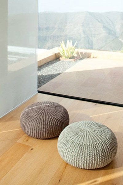 Knitted Round Floor Cushion Knitting Pattern By Lana Grossa The