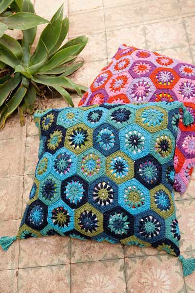 Crochet Cushion Cover In Granny Squares Crochet Patterns By Lana Best How To Crochet A Pillow Cover