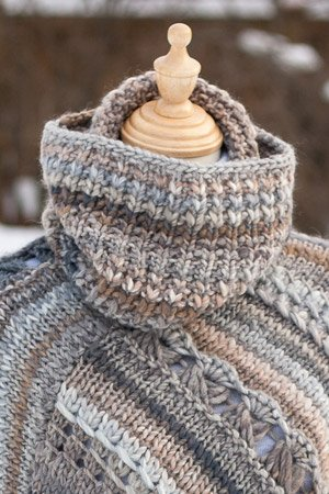 Knit cowl in rib pattern